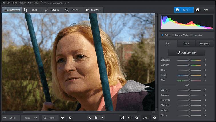 Inicie PhotoWorks para eliminar las arrugas de su foto.