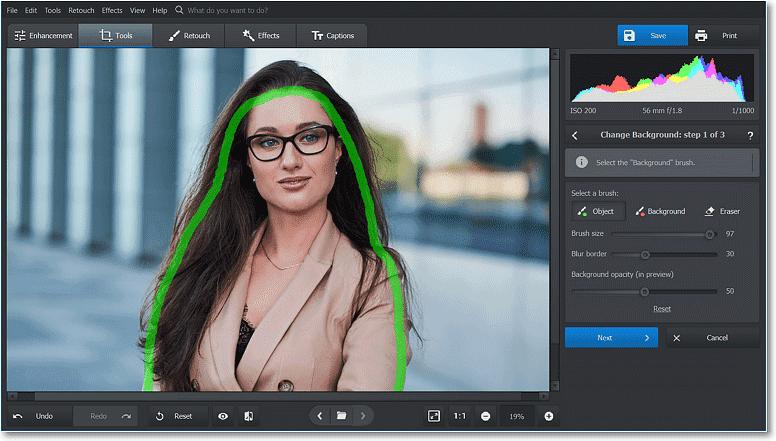 Puede pintar sobre la foto aproximadamente;  el programa determina los bordes automáticamente